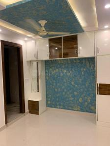 Gallery Cover Image of 1000 Sq.ft 3 BHK Apartment for buy in Dwarka Mor for 4051000