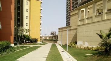 Gallery Cover Image of 2100 Sq.ft 3 BHK Apartment for rent in BPTP The Resort, Sector 75 for 17000
