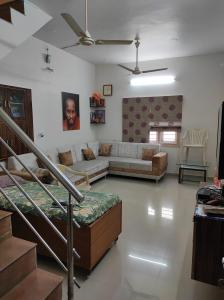 Gallery Cover Image of 2000 Sq.ft 5 BHK Independent House for buy in Navrangpura for 20500000