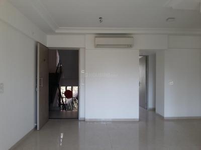 Gallery Cover Image of 1350 Sq.ft 2.5 BHK Apartment for rent in Raheja Shakti Regency, Chembur for 45000