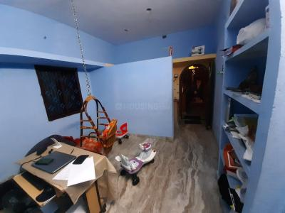 Gallery Cover Image of 500 Sq.ft 1 RK Independent House for rent in Virugambakkam for 7000