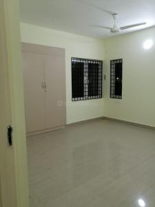 Gallery Cover Image of 2000 Sq.ft 3 BHK Apartment for rent in Kotivakkam for 30000
