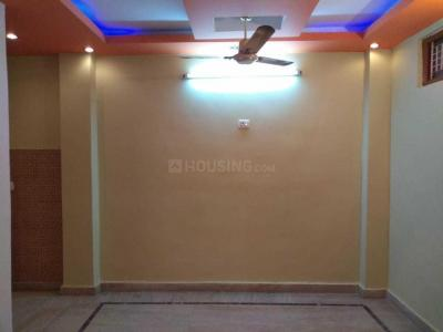 Gallery Cover Image of 630 Sq.ft 2 BHK Independent Floor for rent in Dwarka Mor for 11500