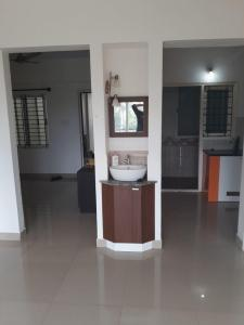 Gallery Cover Image of 1100 Sq.ft 2 BHK Apartment for rent in Krishnarajapura for 20000