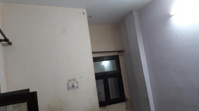 Gallery Cover Image of 450 Sq.ft 1 BHK Independent House for rent in Qutub Vihar for 5000