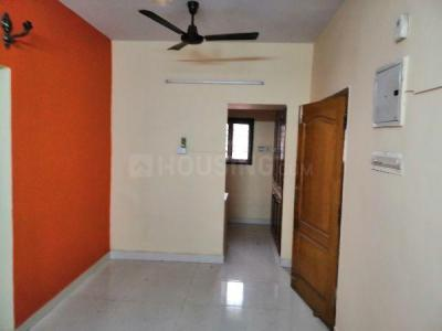 Gallery Cover Image of 800 Sq.ft 2 BHK Apartment for buy in Valasaravakkam for 5500000