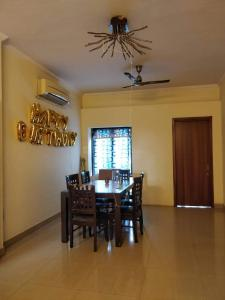Gallery Cover Image of 2000 Sq.ft 3 BHK Independent Floor for rent in SS Mayfield Garden, Sector 51 for 30000