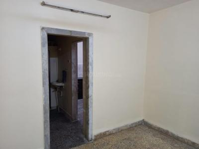 Gallery Cover Image of 335 Sq.ft 1 RK Apartment for rent in Dattani Apartment 5A And 5B, Kandivali West for 15000