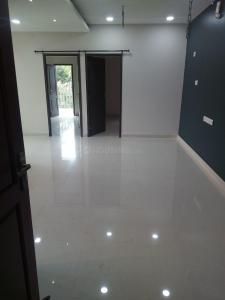 Gallery Cover Image of 907 Sq.ft 2 BHK Apartment for rent in Selaiyur for 11500