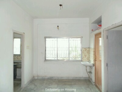 Gallery Cover Image of 600 Sq.ft 1 BHK Apartment for buy in Thakurpukur for 2200000