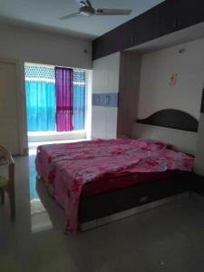 Gallery Cover Image of 1200 Sq.ft 2 BHK Apartment for rent in Singasandra for 20000