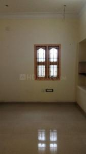 Gallery Cover Image of 600 Sq.ft 1 RK Independent Floor for rent in Palavakkam for 8500