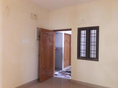Gallery Cover Image of 700 Sq.ft 2 BHK Apartment for rent in Choolaimedu for 15000