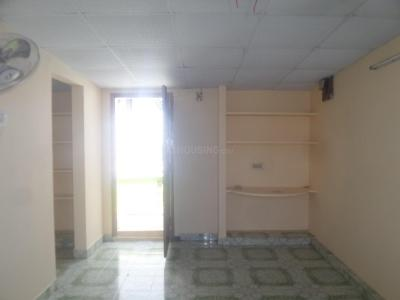 Gallery Cover Image of 450 Sq.ft 1 BHK Apartment for rent in Sholinganallur for 6000