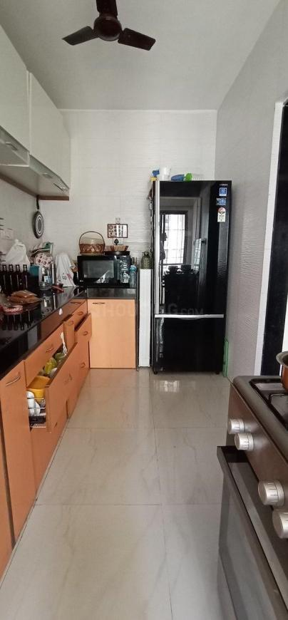 Kitchen Image of 750 Sq.ft 2 BHK Apartment for buy in Borivali West for 15500000