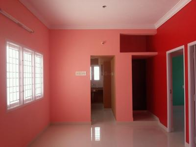 Gallery Cover Image of 798 Sq.ft 2 BHK Apartment for rent in Tharapakkam for 9000