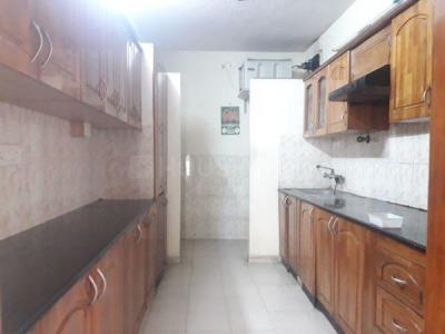 Gallery Cover Image of 1450 Sq.ft 3 BHK Apartment for rent in Velachery for 32000