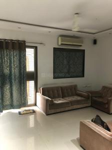 Gallery Cover Image of 1740 Sq.ft 3 BHK Apartment for rent in 9 Green Park, Parvati Darshan for 36000