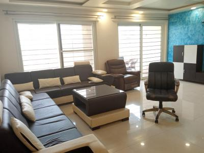 Gallery Cover Image of 1450 Sq.ft 3 BHK Apartment for rent in Nyati Evara I, Mohammed Wadi for 25000