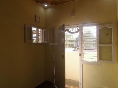 Gallery Cover Image of 400 Sq.ft 1 BHK Apartment for rent in Sanjay Gandhi Nagar for 6000