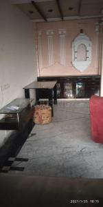 Gallery Cover Image of 900 Sq.ft 2 BHK Apartment for buy in Andheri West for 25000000