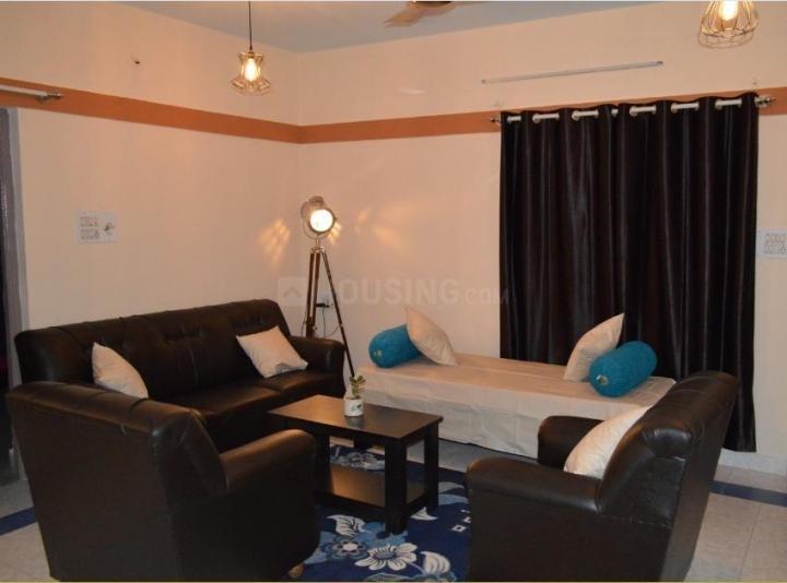 न्यू थिप्पसंदरा में कोहब्स क्सेना में लिविंग रूम की तस्वीर