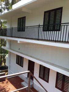Gallery Cover Image of 1350 Sq.ft 4 BHK Independent House for rent in Chathamangalam Grama Panchayath for 17000