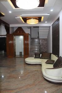 Gallery Cover Image of 4200 Sq.ft 6 BHK Independent House for rent in Hebbal Kempapura for 150000