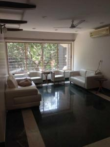 Gallery Cover Image of 1000 Sq.ft 2 BHK Apartment for rent in Khar West for 125000