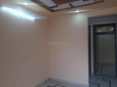 Gallery Cover Image of 450 Sq.ft 1 BHK Independent Floor for rent in Burari for 8000