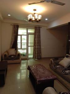 Gallery Cover Image of 1600 Sq.ft 3 BHK Apartment for rent in Gaursons Gaur City 2 11th Avenue, Noida Extension for 17000
