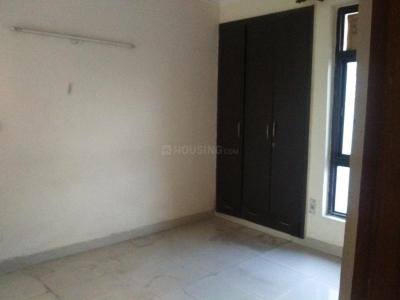 Gallery Cover Image of 1240 Sq.ft 2 BHK Apartment for rent in Vrinda City, Phi IV Greater Noida for 9000
