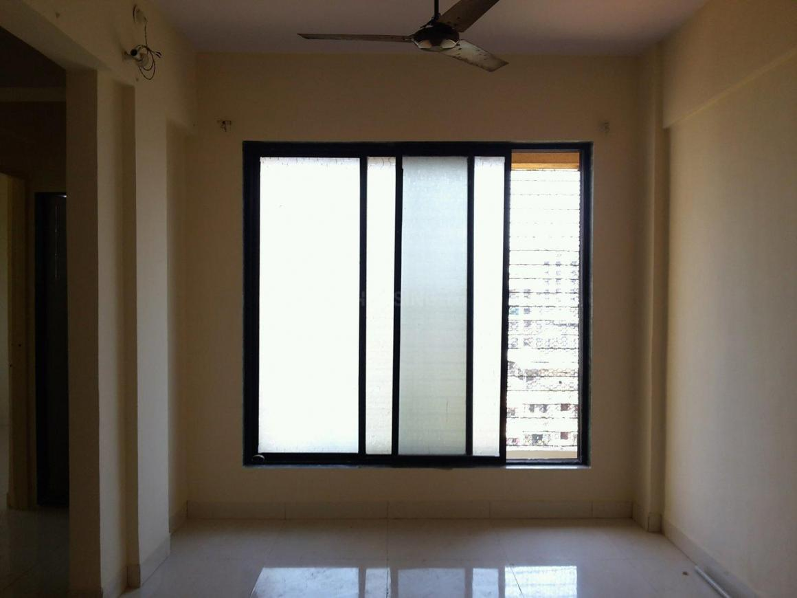 Living Room Image of 650 Sq.ft 1 BHK Apartment for buy in Airoli for 6400000