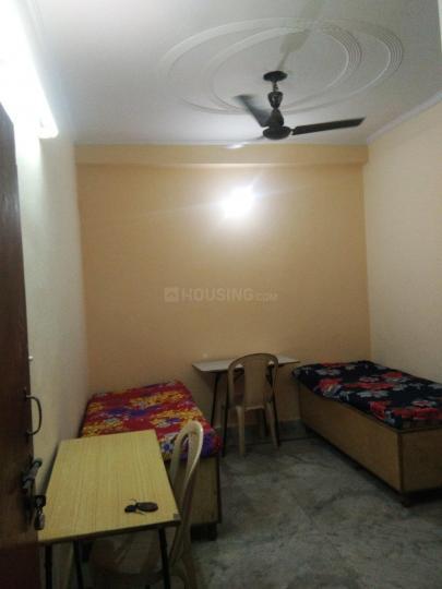 लक्ष्मी नगर में साक्षी पीजी में बेडरूम की तस्वीर