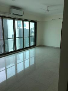 Gallery Cover Image of 1350 Sq.ft 3 BHK Apartment for rent in Khar West for 110000