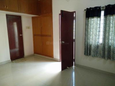 Gallery Cover Image of 1350 Sq.ft 3 BHK Apartment for rent in Ramapuram for 20000