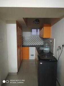 Gallery Cover Image of 1126 Sq.ft 3 BHK Apartment for rent in Thoraipakkam for 17000