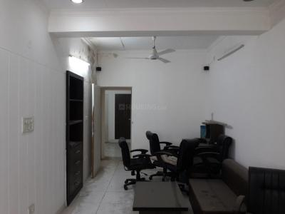 Gallery Cover Image of 600 Sq.ft 1 BHK Apartment for rent in Pitampura for 12000