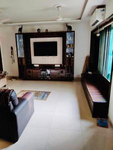 Gallery Cover Image of 1450 Sq.ft 3 BHK Apartment for buy in Accolade CHS, Thane West for 22500000
