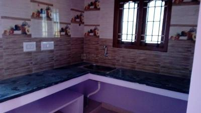 Gallery Cover Image of 650 Sq.ft 2 BHK Independent House for rent in Potheri for 8000