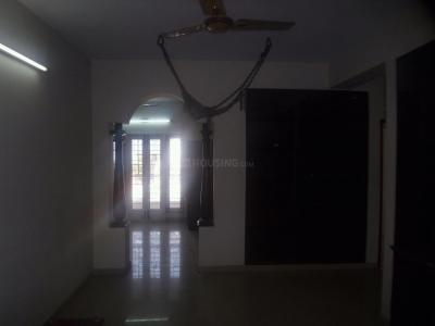 Gallery Cover Image of 950 Sq.ft 2 BHK Apartment for rent in Velachery for 24000