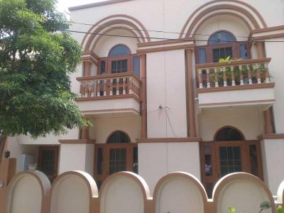 Gallery Cover Image of 2200 Sq.ft 3 BHK Independent House for buy in Shastri Nagar for 7000000