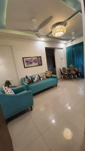 Gallery Cover Image of 650 Sq.ft 1 BHK Apartment for buy in Haware Engineers And Builders Grand Edifice, Malad East for 10400000