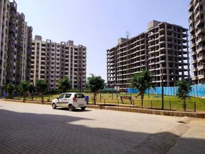 Gallery Cover Image of 743 Sq.ft 1 BHK Apartment for buy in Gokul Dham, Atul Plant Area for 1700000