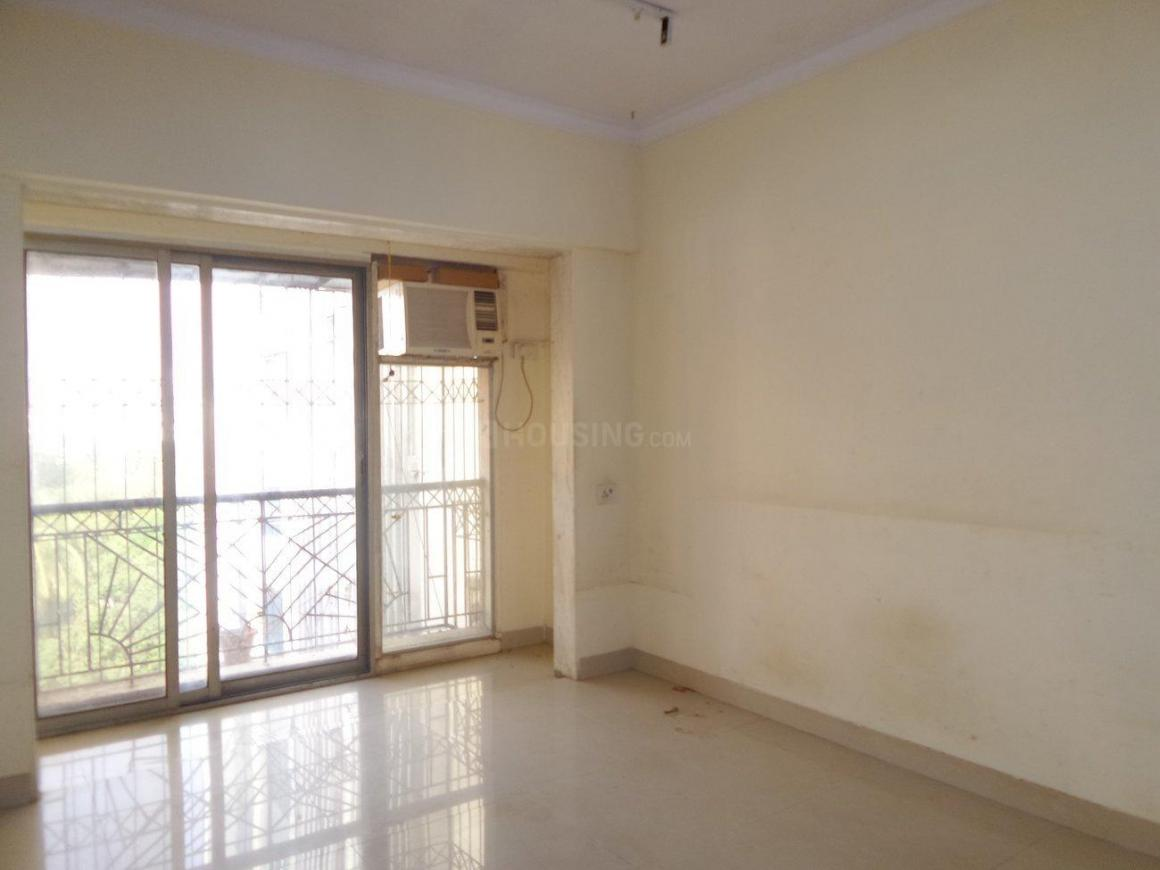 Living Room Image of 912 Sq.ft 2 BHK Apartment for rent in Sion for 45000