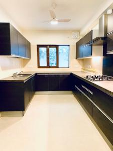 Gallery Cover Image of 7500 Sq.ft 4 BHK Villa for rent in Vasant Vihar for 650000