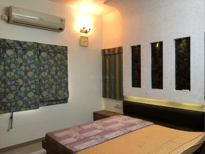 Gallery Cover Image of 2000 Sq.ft 3 BHK Apartment for rent in Samatva Bunglow, Shela for 40000