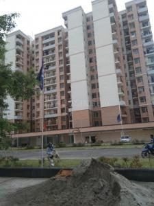 Gallery Cover Image of 1000 Sq.ft 2 BHK Apartment for buy in KLJ Platinum Heights, Sector 77 for 3190000