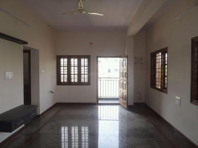 Gallery Cover Image of 1100 Sq.ft 2 BHK Apartment for rent in Rajajinagar for 20000