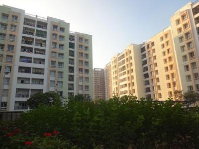 Gallery Cover Image of 1355 Sq.ft 3 BHK Apartment for buy in Embassy Residency, Perumbakkam for 5500000